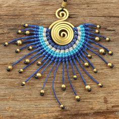 Tribal design necklace with waxed cotton weaving por cafeandshiraz
