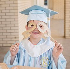 We spent the sweetest morning with Class of 2029 Seniors to celebrate their Kindergarten graduation. Loved capturing their personalities at this fun age! #classof2029 #kikiscornerphotography #kindergartengraduation #blue #capandgown #midlandtexasphotographer
