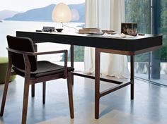 Solid wood writing desk with drawers VICTOR by Lema design Roberto Lazzeroni