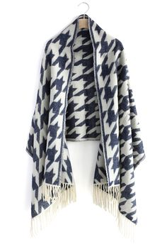 Houndstooth Woolen Scarf - I need to get wrapped up in this!
