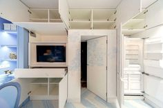 55+ идей антресоли в доме http://happymodern.ru/antresoli-v-dome/ Антресоль, разделенная внутри мелкими перегородками