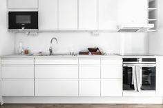 elv's Interior Styling, Interior Decorating, Monochrome Interior, Interior Design Inspiration, Scandinavian Design, Home Kitchens, Kitchen Cabinets, Home Decor, Decor Ideas