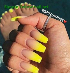 False nails have the advantage of offering a manicure worthy of the most advanced backstage and to hold longer than a simple nail polish. The problem is how to remove them without damaging your nails. Summer Acrylic Nails, Best Acrylic Nails, Acrylic Nail Designs, Acrylic Nails Yellow, Holiday Acrylic Nails, Neon Nail Designs, Nail Summer, Summer Ootd, Yellow Nails Design