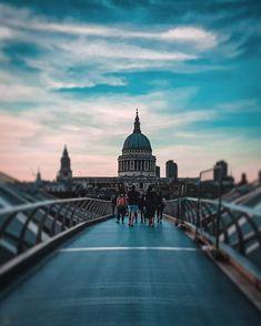 London Baby!  . Follow me @patrick.jarina . #london #uk #wanderingaround #goodphoto #blur #cool #traveler #travelling #england #londonbaby #traveling #travelblogger #travelexplorerepeat #traveladdict #photooftheday #photogrid #photos #travelphotography #cityscape #cityphotography #cityscapephotography #wanderers #wanderlust #city #aroundtheworld Cityscape Photography, City Photography, Sydney Harbour Bridge, Blur, Repeat, Travelling, Cool Photos, Wanderlust, Around The Worlds