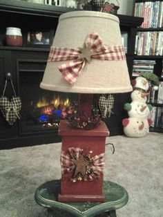 primitive country decorating ideas for living rooms Primitive Lamps, Primitive Living Room, Country Primitive, Easy Primitive Crafts, Primitive Country Bedrooms, Primitive Bathroom Decor, Primitive Pillows, Country Lamps, Country Decor