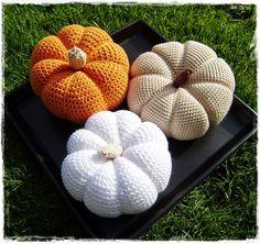 Many homemade things: crochet pumpkin . : Many homemade things: crochet pumpkin … Diy Thanksgiving Crafts, Thanksgiving Decorations, Decorative Pillows, Decorative Boxes, Crochet Pumpkin, Crochet Food, Baby Pillows, Knitted Headband, Loom Knitting