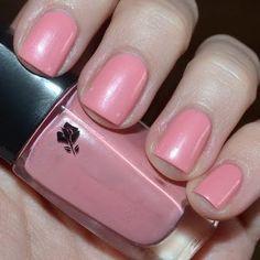 Soft pink nails by Jelena S