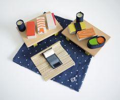 Set pour préparer 10 sushis et makis en bois