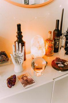 Alexa Halladay ✩ ☓ ☓ Home of the Wicked - Halloween 2018 Holiday Decorating ☽ Minimalist Furniture, Classic Furniture, Halloween 2018, Diy Halloween Dekoration, Witch Room, Aesthetic Room Decor, Zen Room Decor, Hippie Room Decor, Witch Aesthetic