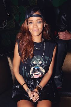 sweet smile, pretty locks / we heart Rihanna #hair