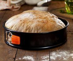 Házi kenyér dagasztás nélkül Recept képpel - Mindmegette.hu - Receptek Le Creuset, Ring Cake, Health Eating, Bread Rolls, Garlic Bread, Cake Cookies, Scones, Bakery, Vegan