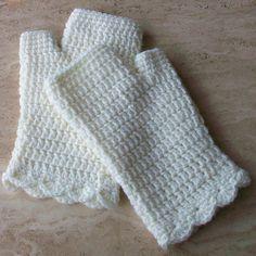 Ravelry: CuppaCrochet's Fingerless Gloves (Cream)