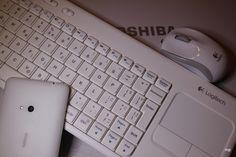 9.9.2014  tema: bela... tipkovnica, miška telefon in računalnik