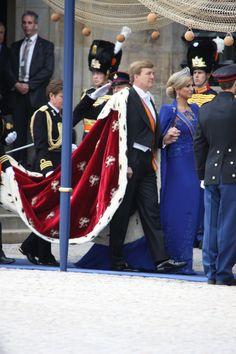 Inhuldiging Koning Willem-Alexander 2013   Fotograaf: Kees Floor People, Dresses, Fashion, Vestidos, Moda, Fasion, Dress, People Illustration, Gowns