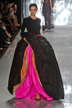 :: Chado Ralph Rucci - New York Fashion Week Spring, 2013 :: hot gown Style Haute Couture, Couture Fashion, Runway Fashion, Womens Fashion, Milan Fashion, Fashion Trends, Fashion Week, Look Fashion, High Fashion