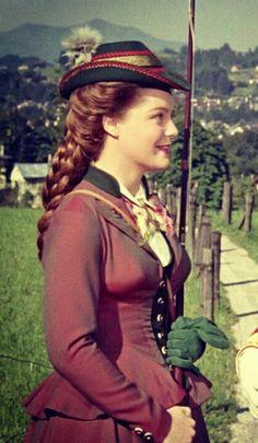 Romy Schneider as Sissi. Romy Schneider, Magda Schneider, Sissi Film, Impératrice Sissi, Golden Age Of Hollywood, Classic Hollywood, Empress Sissi, Divas, Stars D'hollywood