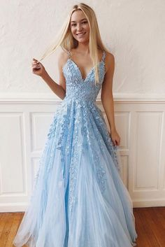Elegant Lace Prom Dresses V-neck Long Prom Dress Tulle Evening Dress Formal Gowns Cheap Prom Gowns DESCRIPTION The prom dresses are fully lined, 8 bones in the bodice, chest pad in the bust, lace up back or zipper back are all available, total 126 co Cheap Formal Gowns, Best Formal Dresses, Prom Dresses For Teens, Long Prom Gowns, Prom Dresses Blue, Formal Evening Dresses, Maxi Dresses, Elegant Dresses, Long Dresses