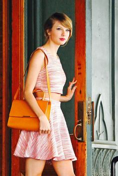First time in my life I've ever found a picture of Taylor Swift that my face resembles, but only one!