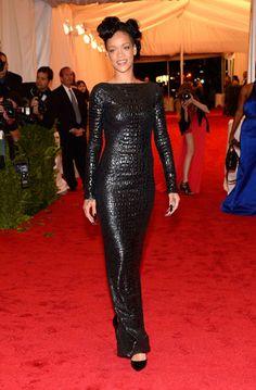 Rihanna: Low-cut back black textured gown - Tom Ford. The Met Costume Institute Gala 2012 Nicki Minaj, Elie Saab, Rihanna Photos, Rihanna Style, Rihanna Riri, Rihanna Fashion, Met Gala Red Carpet, Thing 1, Costume Institute