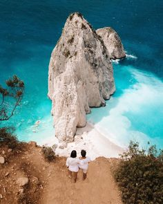 Santorini Travel, Greece Travel, Travel Expert, New Travel, Zakynthos Greece, Greek Islands, Travel Couple, Beautiful Beaches, Paisajes