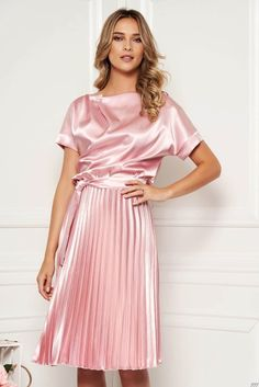 StarShinerS lightpink dress elegant cloche midi from satin accessorized with tied waistband folded up Dressy Dresses, Satin Dresses, Elegant Dresses, Day Dresses, Nice Dresses, Dress Shorts Outfit, Skirt Outfits, Blouse Dress, Cleopatra