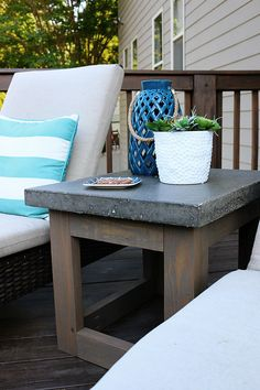 concrete wood side table-great idea for the front porch. Making Concrete Countertops, Outdoor Kitchen Countertops, Concrete Table, Concrete Furniture, Concrete Wood, Cement Patio, Kitchen Furniture, Rustic Furniture, Outdoor Furniture