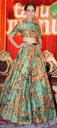 Kangana Ranaut at 'Tanu Weds Manu Returns' Poster Launch : Opting for a beautiful Sabyasachi dress, Kangana looked lovely. I like the fact that she wore a Amrapali choker-style necklace to. Indian Wedding Outfits, Indian Outfits, Indian Clothes, Indian Attire, Indian Wear, Western Dresses, Indian Dresses, Ethnic Fashion, Asian Fashion
