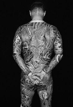 Full back dragon tattoo Time Tattoos, Music Tattoos, Body Art Tattoos, Tattoo Cafe, Tattoo Shop, Full Body Tattoo, Back Tattoo, Creative Tattoos, Great Tattoos