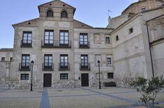 Publicamos la casa palacio de los condes de Bureta, en la localidad del mismo nombre en la provincia de Zaragoza.
