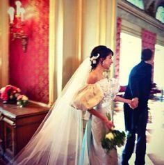 Caroline Sieber's wedding  With a beautiful Chanel wedding dress .