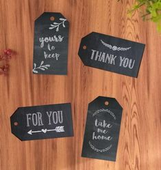Chalkboard Printable Gift Tags | Adorn your DIY gifts with these paper craft ideas.