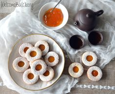 Shortcrust pastry biscuits, with apricot jam - WelcomeBa(c)kery