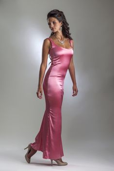 This is a pink floor length stretch silk evening dress with sleeveless design and scoop neck Satin Gown, Satin Dresses, Silk Dress, Sexy Dresses, Dress Skirt, Dresses With Sleeves, Silk Evening Gown, Pink Evening Dress, Evening Dresses