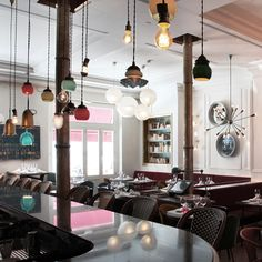 18 Fresh and Simple Restaurant Interiors