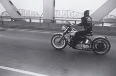 1%er Outlaw MC #outlawmc #outlaw  This is going across the bridge here in Louisville,Ky