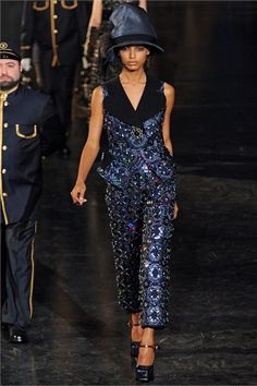 Louis Vuitton (2) a/w
