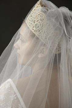Russian bride in traditional headdress Russian Wedding, European Wedding, Floral Crown, Headdress, Wedding Inspiration, Wedding Ideas, Bridal Hair, Getting Married, Veil