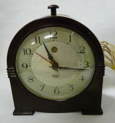Vintage Art Deco Bakelite Small Mantel / Alarm Smith Sectric Clock - find our ebay shop at www.shopatstfrancis.co.uk