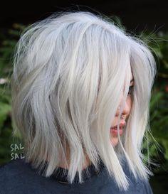 New Short White Hair Ideas 2019 - Long Bob Hairstyles 2019 Short White Hair, White Blonde Hair, Silver Blonde, Short Hair Cuts, Blonde Lob, Silver Ombre, Short Blunt Haircut, Short Silver Hair, Ice Blonde