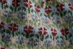 Ravelry: Peerie Flooers pattern by Kate Davies Designs Jumper Knitting Pattern, Fair Isle Knitting Patterns, Jumper Patterns, Cable Knitting, Cable Knit Jumper, Knitting Charts, Knitting Ideas, Fair Isle Chart, Fiber Art