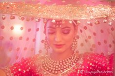 This modern Indian bride wears her wedding colors well! Her bridal jewelry is very complimentary and her traditional dress is incredible. Sikh Wedding, Wedding Pics, Luxury Wedding, Punjabi Wedding, Wedding Wear, Wedding Bells, Big Fat Indian Wedding, Indian Bridal, Indian Weddings