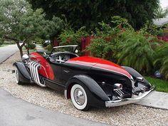 1933 Duesenberg II SJ Boattail Speedster I wonder how something so beautiful feels Auto Jeep, Dream Cars, Auto Retro, Unique Cars, Sweet Cars, Amazing Cars, Car Car, Hot Cars, Custom Cars