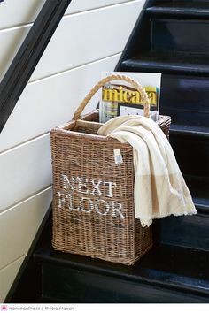 Rivièra Maison Next Floor Staircase Basket - Top! Stair Basket, Upcycled Home Decor, Rattan Basket, House Stairs, Cozy Cottage, Storage Baskets, Home Accessories, Flooring, Rommel