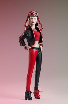 Tonner Debuts Gotham City Garage Catwoman And Harley Quinn Dolls
