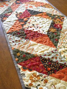 Fussy Cut: a table quilt for Thanksgiving