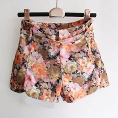 Cute vintage floral high waisted shorts    15% OFF PURCHASES WHEN YOU USE PROMO CODE VELVET05