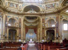 Lima-El interior de la iglesia corazón de Maria en magdalena del mar