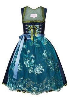 """Designer Dirndl """"Feenzauber"""" überzeugt mit seinem exklusiven Look und den Trend-Farben Blau-Tükis. schmittundschäfer"""
