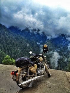 Are you looking for one of the best international travel agents in Kolkata? Call Flying Squirrel Holidays, the best travel agency for customized international holidays. Scenic Photography, Nature Photography, Classic 350 Royal Enfield, Travel Pictures, Cool Pictures, Royal Enfield Wallpapers, Bullet Bike Royal Enfield, Blur Photo Background, Background Images
