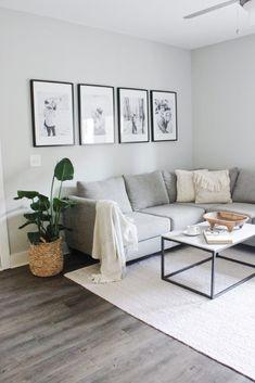 small living room decor interior design tips for small spaces Interior Design Minimalist, Interior Design Tips, Minimalist Decor, Small Home Interior Design, Minimalist Apartment, Modern Minimalist Living Room, Modern Small Apartment Design, Minimalist House, Interior Decorating